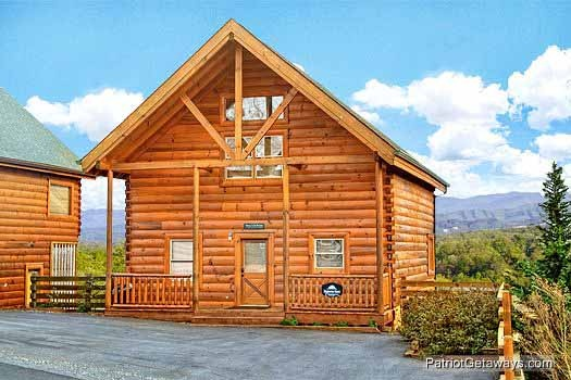 Majestic Mountain View, a 2 bedroom cabin rental located in Pigeon Forge