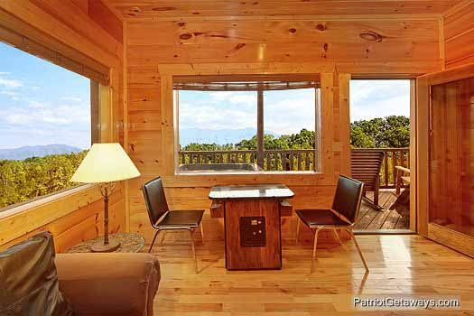 arcade at majestic mountain view a 2 bedroom cabin rental located in pigeon forge