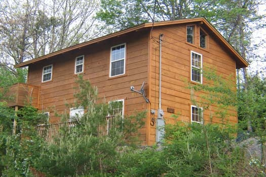 lazy rooster a 2 bedroom cabin rental located in gatlinburg