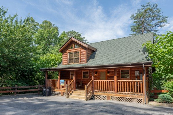 Little Chateau, a 1 bedroom cabin rental located in Pigeon Forge