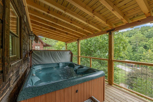 hot tub at amazing journey a 5 bedroom cabin rental located in pigeon forge