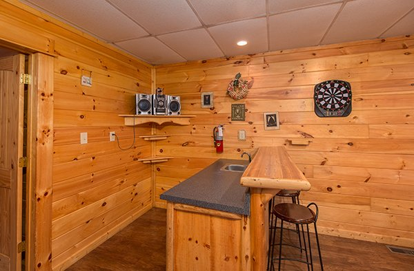 wet-bar in the game roomat animal kingdom a 4 bedroom cabin rental located in gatlinburg