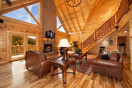 luxurious living room at big bear cove a 3 bedroom cabin rental located in gatlinburg
