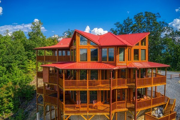 Looking back at Four Seasons Palace, a 5-bedroom cabin rental located in Pigeon Forge