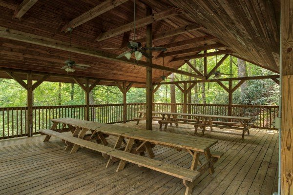 Picnic pavilion access for guests at Paws on the Porch, a 2 bedroom cabin rental located in Gatlinburg