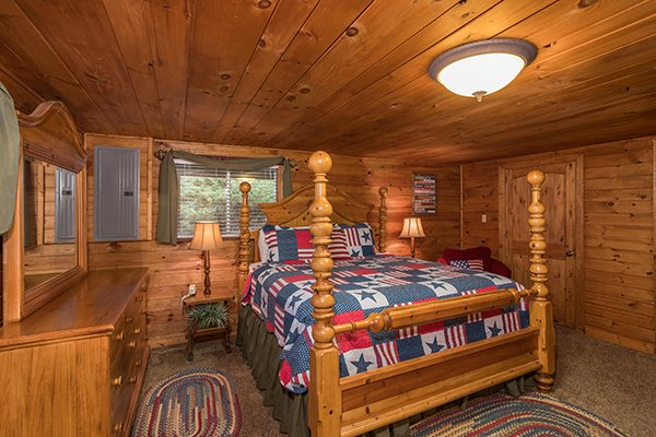Four post bed at 2 The Mountains, a 3 bedroom cabin rental located in Gatlinburg