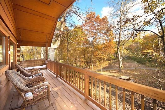 rockers on the deck at licklog hollow a 1 bedroom cabin rental located in pigeon forge