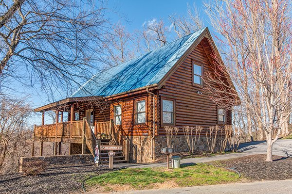The Cowboy Way, a 4 bedroom cabin rental located in Pigeon Forge
