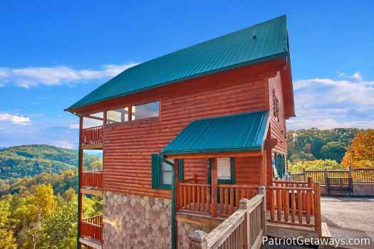 Exterior view at The Big View, a 4 bedroom cabin rental located in Pigeon Forge