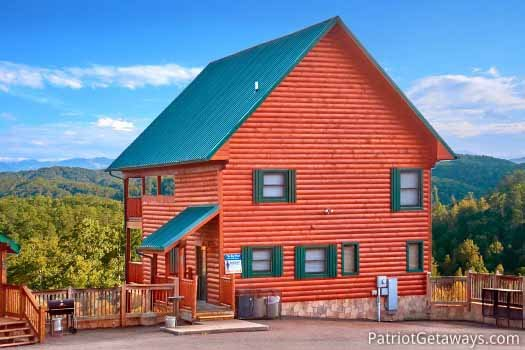 Front exterior view with parking at The Big View, a 4 bedroom cabin rental located in Pigeon Forge