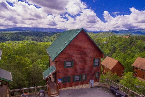 The Big View, a 4 bedroom cabin rental located in Pigeon Forge