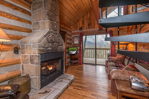 at the pine knot a 2 bedroom cabin rental located in gatlinburg
