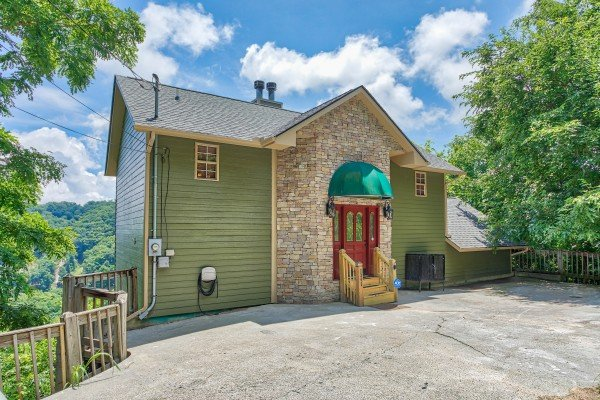 Flat parking at Over Ober Lodge, a 5 bedroom cabin rental located in Gatlinburg