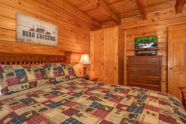Dresser and TV in the second bedroom at Grand View, a 3 bedroom cabin rental located in Sevierville