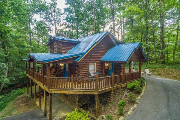 Lazy Mountain Retreat, a 1 bedroom cabin rental located in Gatlinburg