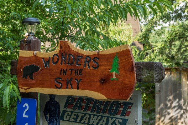 Custom welcome sign at Wonders in the Sky, a 3 bedroom cabin rental located in Gatlinburg