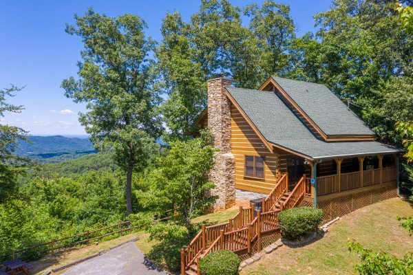 Eagles View Lodge, a 3 bedroom cabin rental located in Gatlinburg