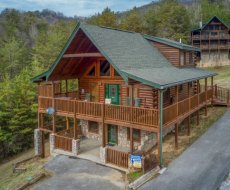 Hibernation Station, a 3-bedroom cabin rental located in Pigeon Forge