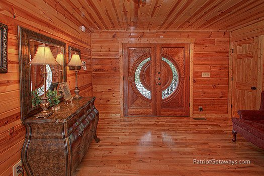 Custom front entrance at Majestic Views, a 3 bedroom cabin rental located in Pigeon Forge