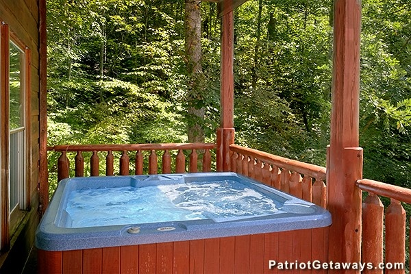 at dear season a 1 bedroom cabin rental located in gatlinburg