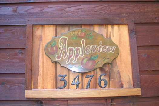 Custom address sign at Apple View, a 2 bedroom cabin rental located in Pigeon Forge