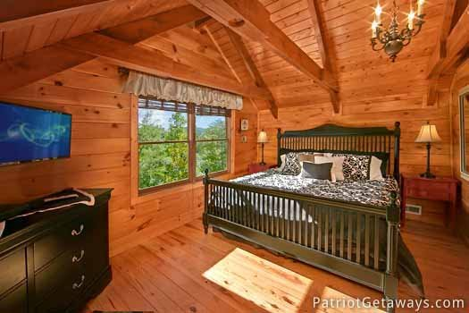 lofted king bedroom at pigeon forge pleasures a 3 bedroom cabin rental located in pigeon forge