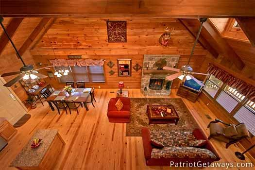 overhead view of living room at pigeon forge pleasures a 3 bedroom cabin rental located in pigeon forge