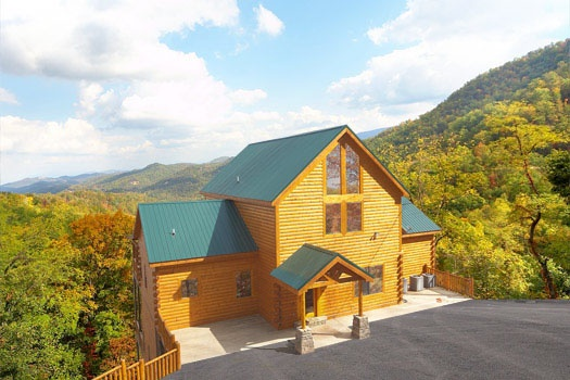 Don't Blink! A 5-bedroom cabin rental located in Pigeon Forge