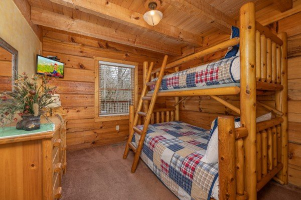 Bunk room at Mickey's Playhouse, a 2 bedroom cabin rental located in Pigeon Forge