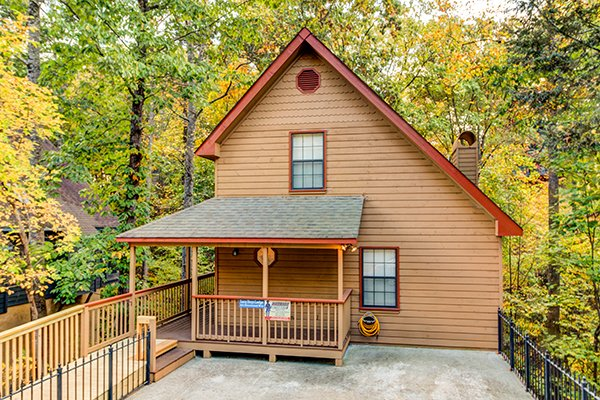 Lazy Dayz Lodge, a 4 bedroom cabin rental located in Pigeon Forge