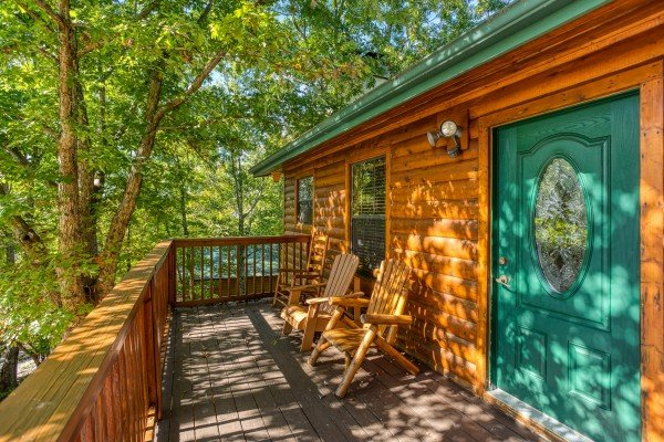 Front porch and entry at Pine Splendor, a 5 bedroom cabin rental located in Pigeon Forge