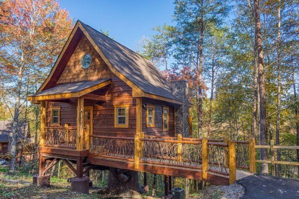 Fall colors at Smoky Mountain Treehouse, a 1 bedroom cabin rental located in Gatlinburg