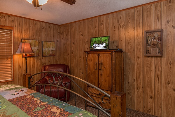 at up the creek a 4 bedroom cabin rental located in gatlinburg