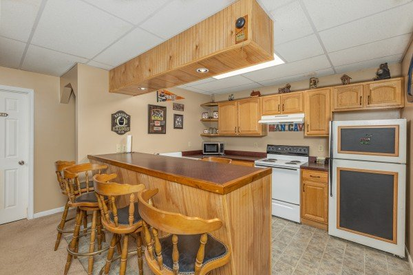 at stream on! a 2 bedroom cabin rental located in pigeon forge