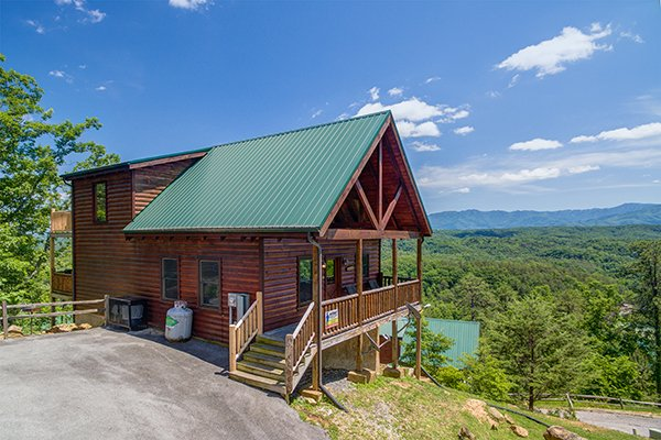 4 Bedroom Cabins in Gatlinburg & Pigeon Forge Tennessee