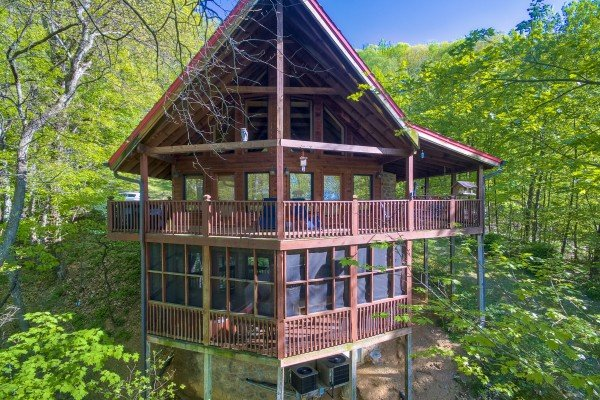 Friends in High Places, a 4-bedroom cabin rental located in Pigeon Forge