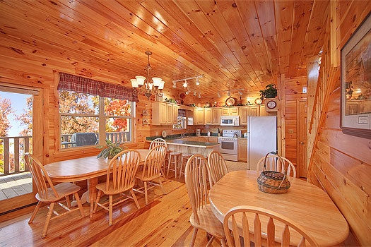 dining area at hickernut lodge a 5 bedroom cabin rental located in pigeon forge