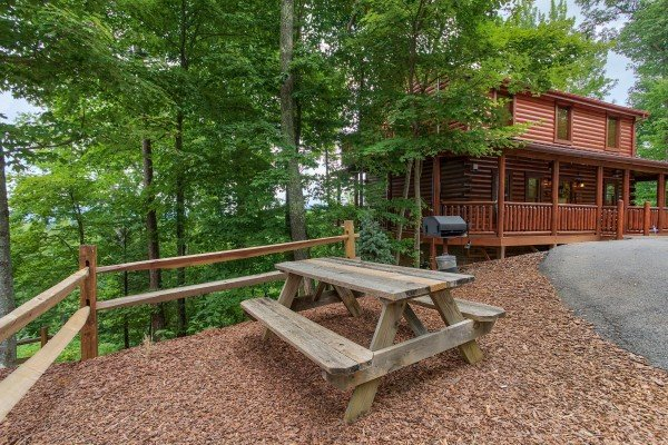 Gone to Therapy, a 2-bedroom cabin rental located in Gatlinburg