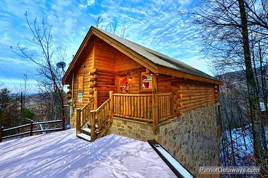 front exterior view at scenic mountain view a 1 bedroom cabin rental located in pigeon forge