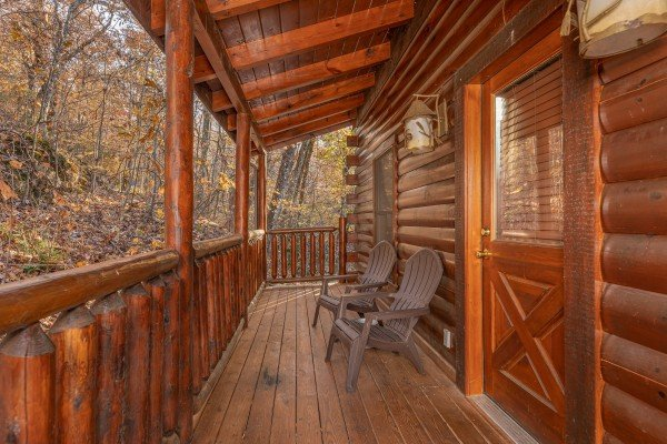 Front porch at Big Bear Cub House, a 1-bedroom rental located in Gatlinburg
