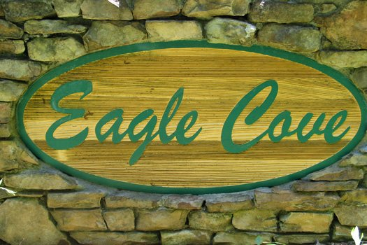 Eagle Cove Resort is where you'll find Honeymoon in Gatlinburg, a 1 bedroom cabin rental located in Gatlinburg