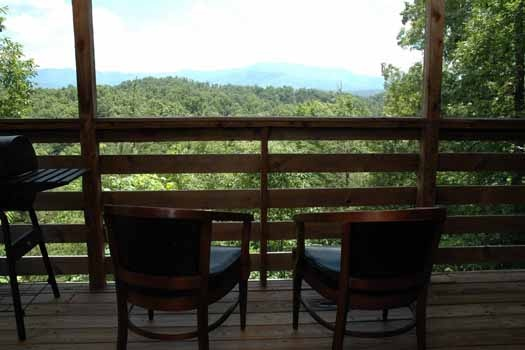 amazing views from the deck at a point of view a 1 bedroom cabin rental located in pigeon forge