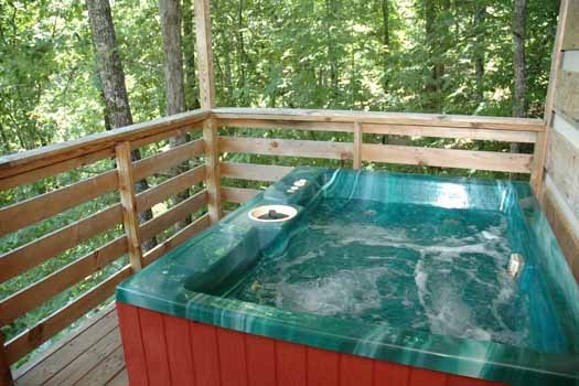 soak it up in the hot tub on the deck at a point of view a 1 bedroom cabin rental located in pigeon forge