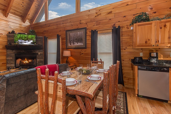 Dining space with seating for six at Country Bear's Getaway, a 3-bedroom cabin rental located in Gatlinburg