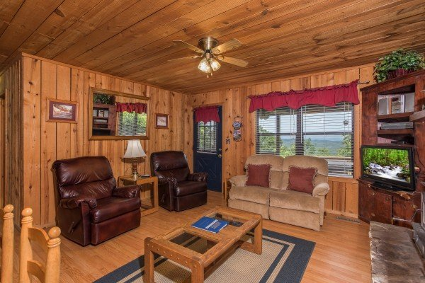 living room recliners at america's view a 2 bedroom cabin rental located in pigeon forge