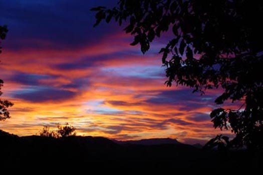 a smoky mountain sunset at america's view a 2 bedroom cabin rental located in pigeon forge