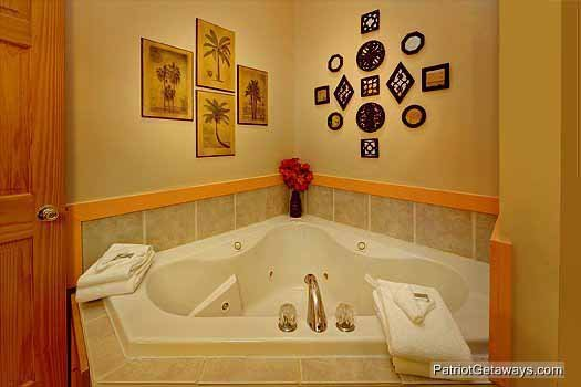jacuzzi tub in lower level at precious view a 1 bedroom cabin rental located in gatlinburg