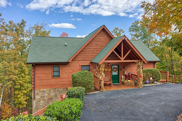 Southern Comfort Inn, a 4 bedroom cabin rental located in Pigeon Forge