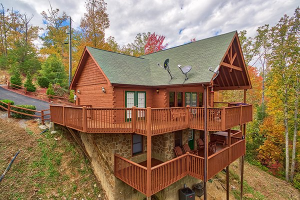 Looking at the cabin from the back at Southern Comfort Inn, a 4 bedroom cabin rental located in Pigeon Forge