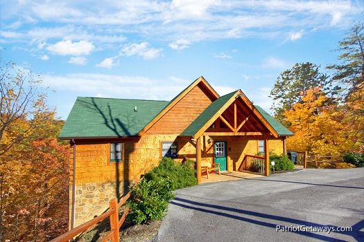 Exterior front view at Southern Comfort Inn, a 4 bedroom cabin rental located in Pigeon Forge